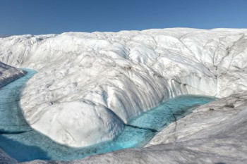 Surprising seas: Why melting Arctic ice doesn't cause sea-level rise around Greenland